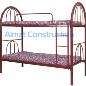 Кровать двухярусная с лестницей